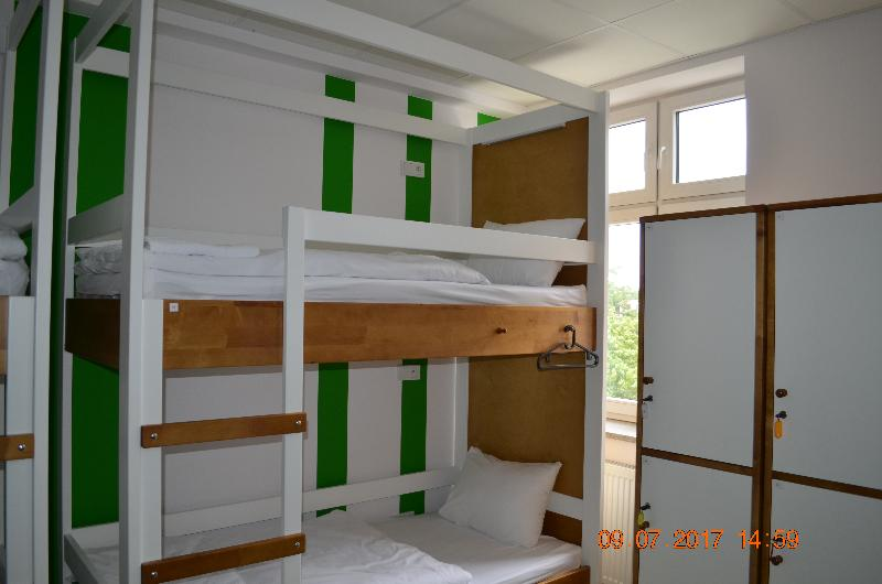 Bed In Dormitory Capacity 8 With Shared Bathroom