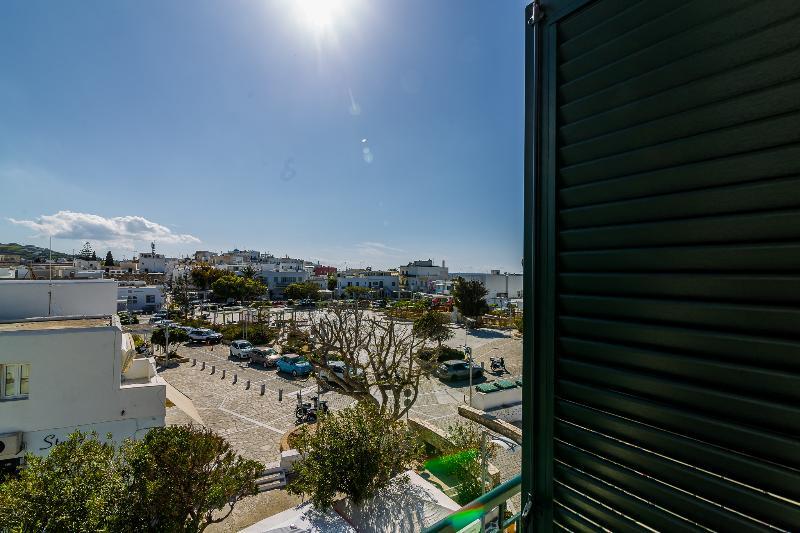Terrace Kontes