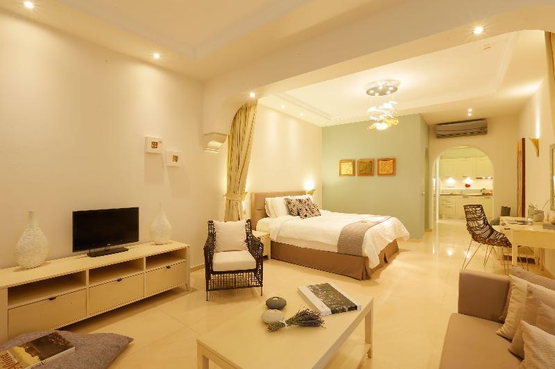Room Picture Suites