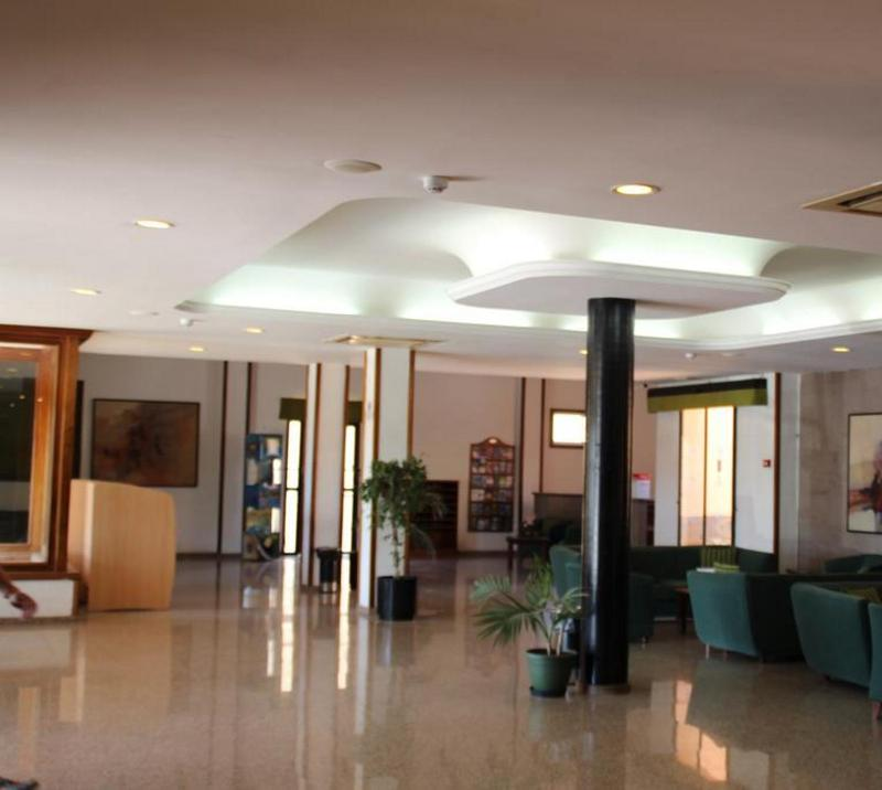 Lobby Green Oasis