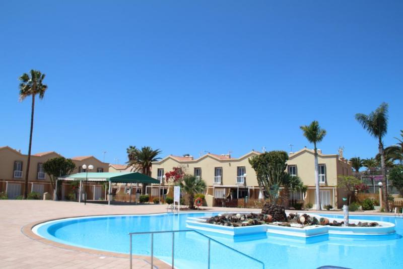 Pool Green Oasis