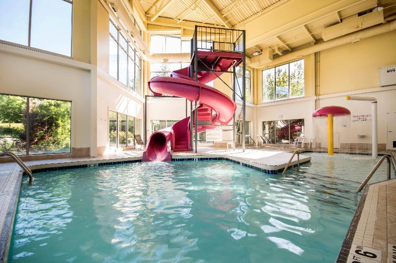 Pool Comfort Inn & Suites