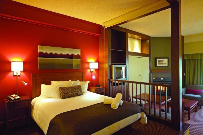 Room Estrimont Suites Spa