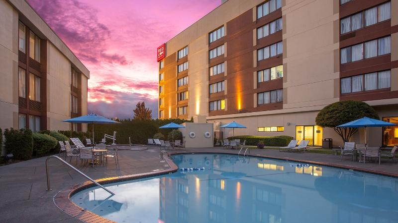 Pool Red Lion Hotel Conference Center Renton