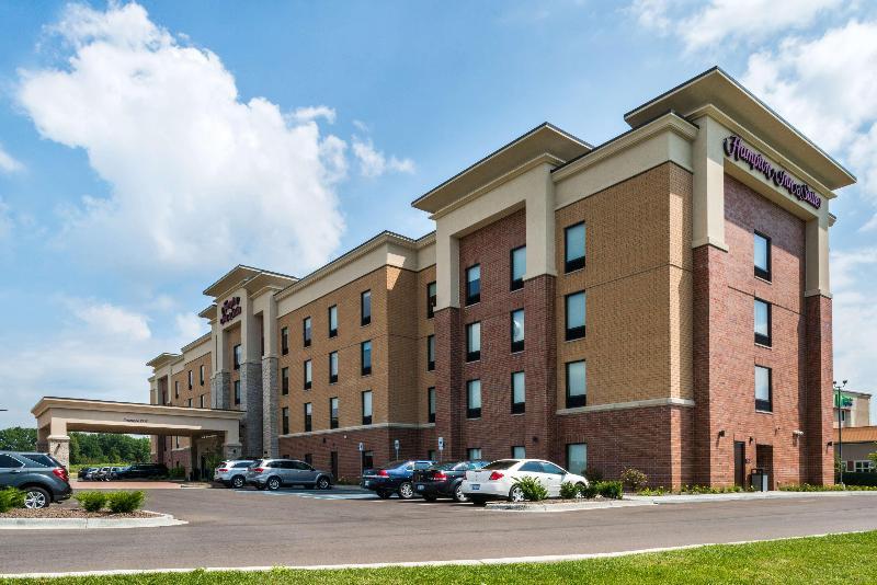 General view Hampton Inn Suites Wixom Novi Detroit Mi