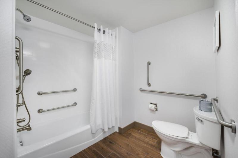 Room Hampton Inn Suites Wixom Novi Detroit Mi