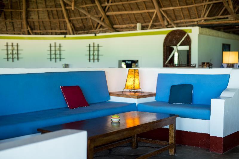 Lobby Pongwe Beach Hotel