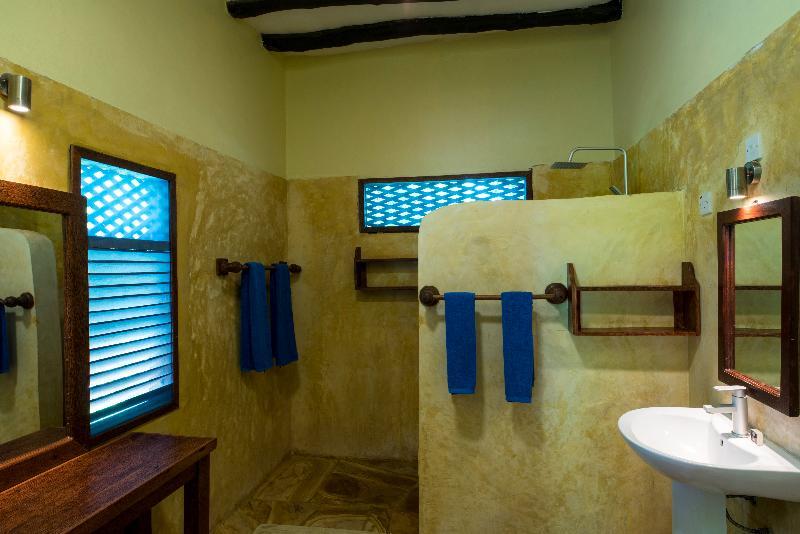Room Pongwe Beach Hotel