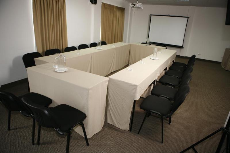 El Tambo Uno - Conference - 3