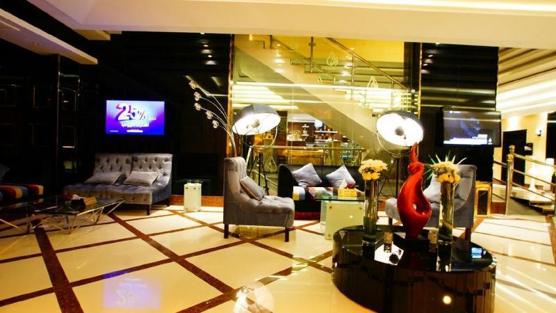 Lobby Almuhaidb Airport
