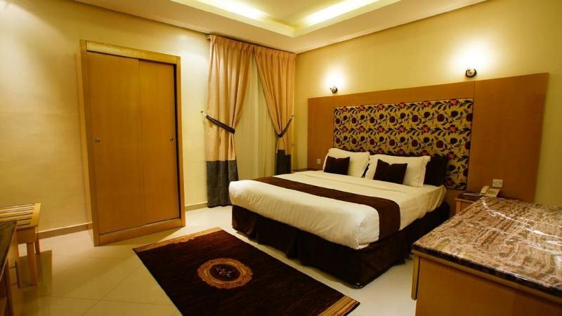 Room Almuhaidb Airport