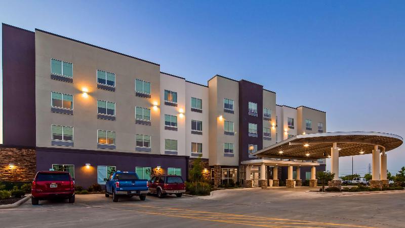 General view Best Western Plus Roland Inn & Suites
