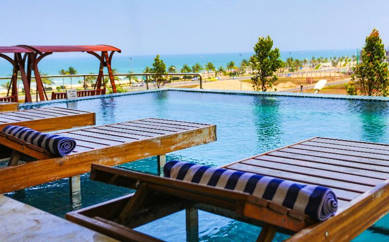 Pool Cicilia Da Nang Hotel & Spa