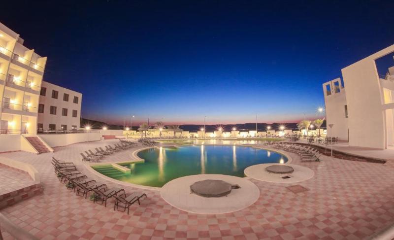 Pool Sol Y Mar Beau Rivage