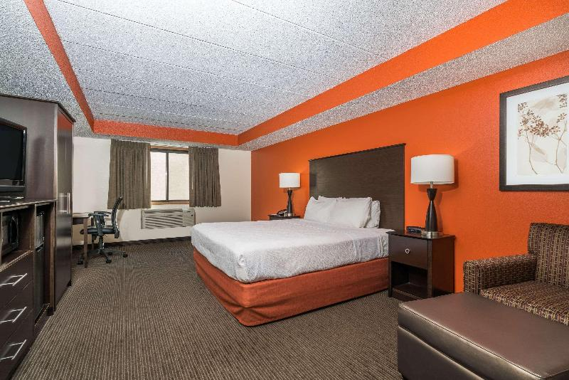 Room Baymont By Wyndham Bloomington Msp Airport
