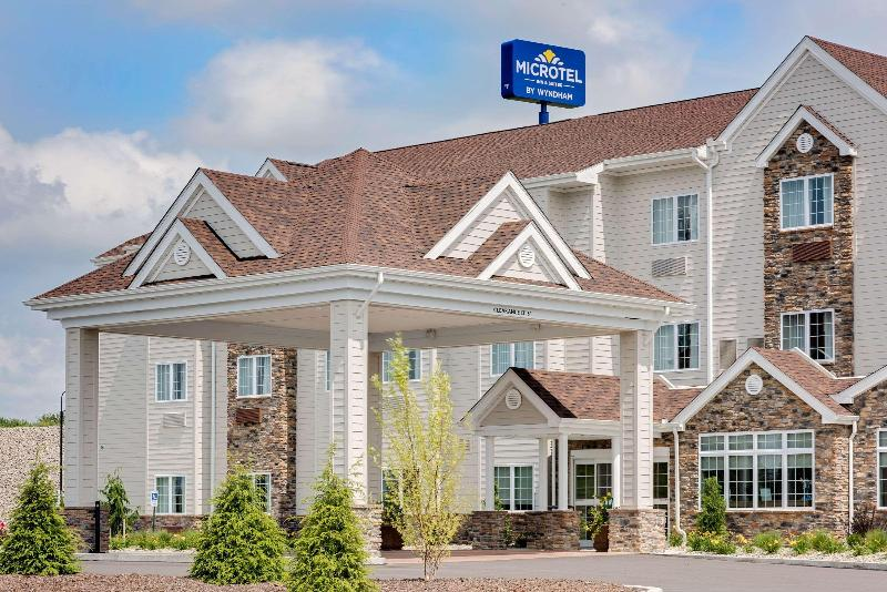 General view Microtel Inn & Suites By Wyndham Clarion
