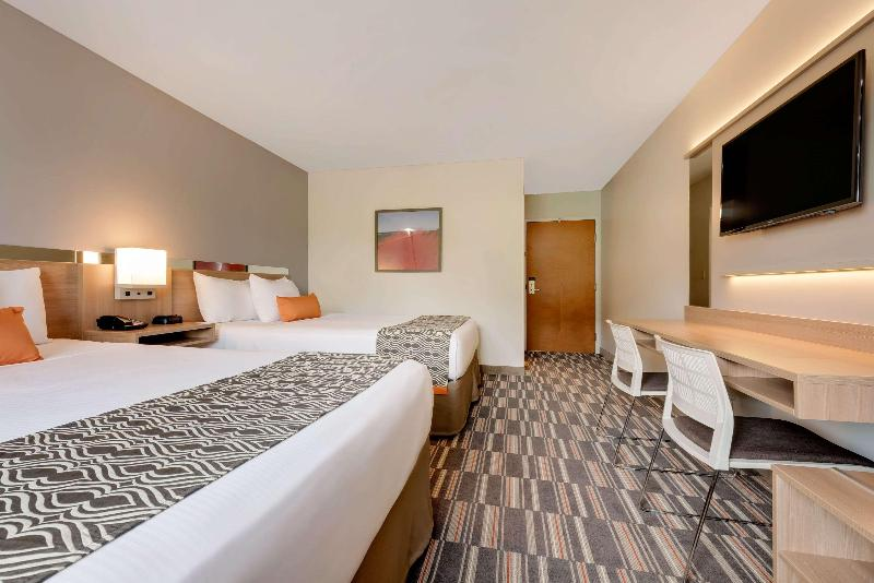 Room Microtel Inn & Suites By Wyndham Clarion