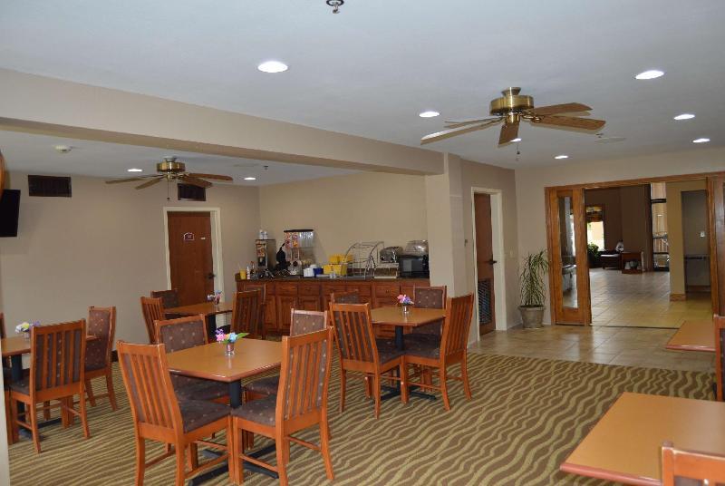 General view Days Inn & Suites By Wyndham Cuba