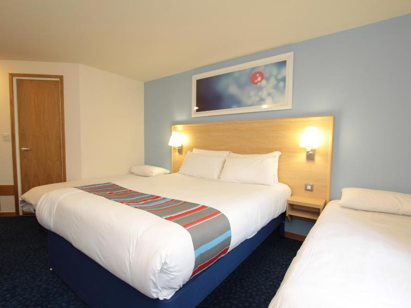 Room Travelodge Caterham Whyteleafe
