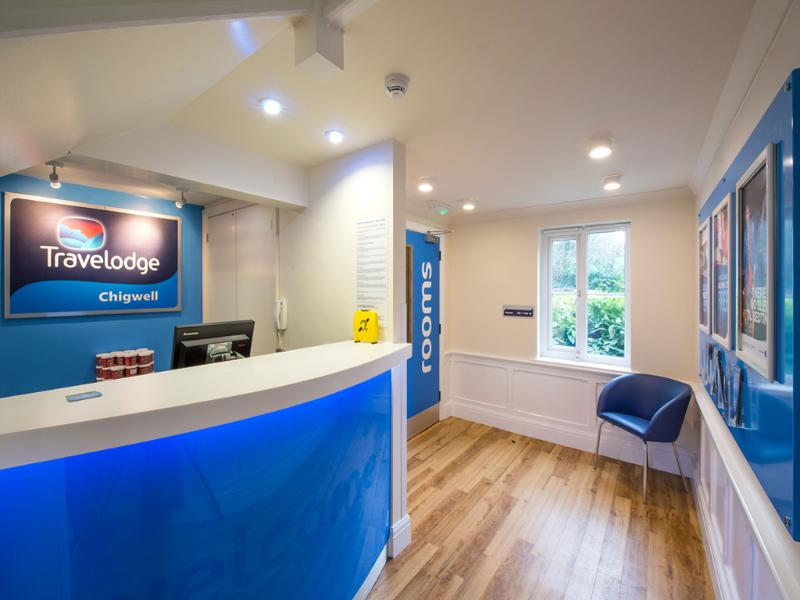 Lobby Travelodge London Chigwell