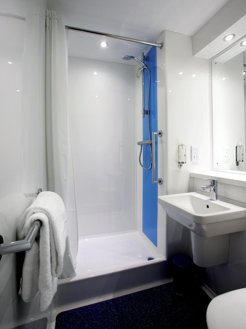 Room Travelodge London Kingston Upon Thames