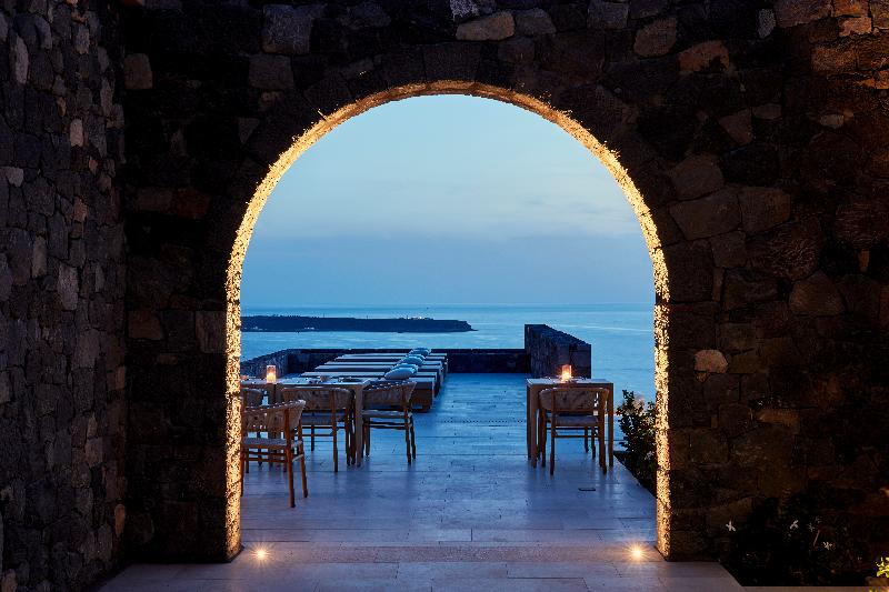 Restaurant Canaves Oia Epitome