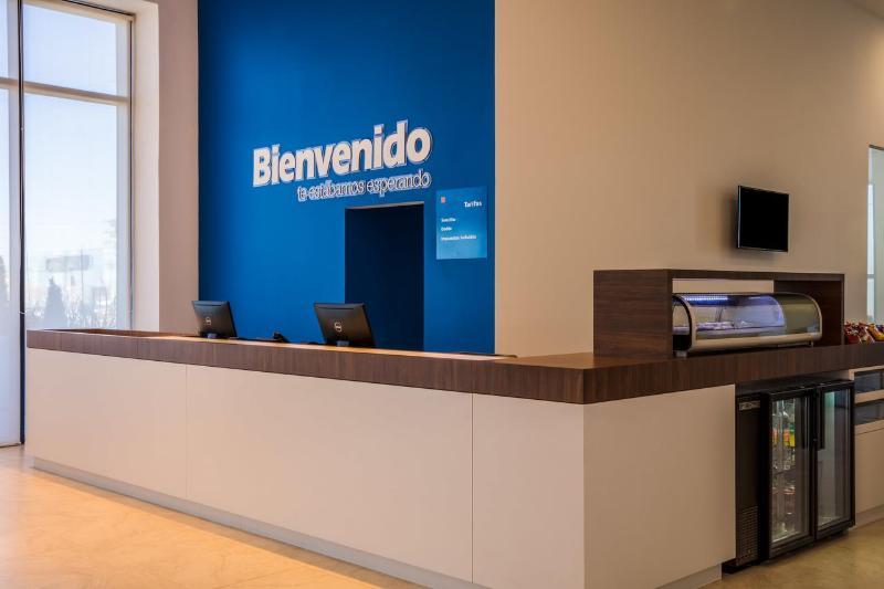 Lobby One Chihuahua Fashion Mall