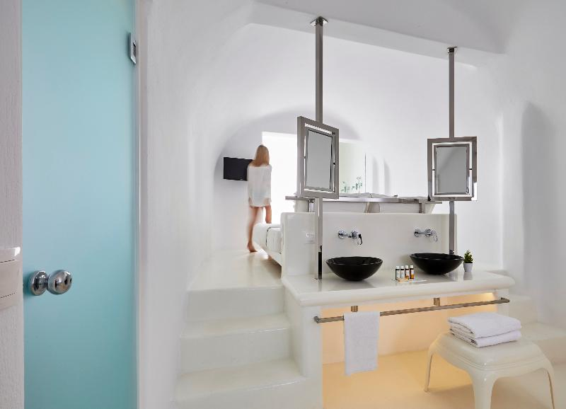 Room Aisling Micro Hotel