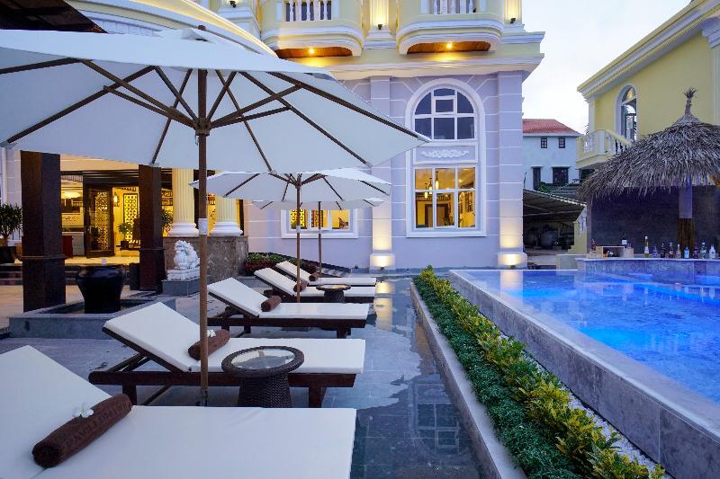 Pool Le Pavillon Hoi An Luxury Resort & Spa