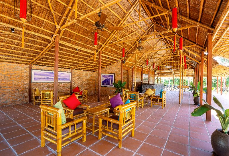 Lobby Boutique Cam Thanh Resort