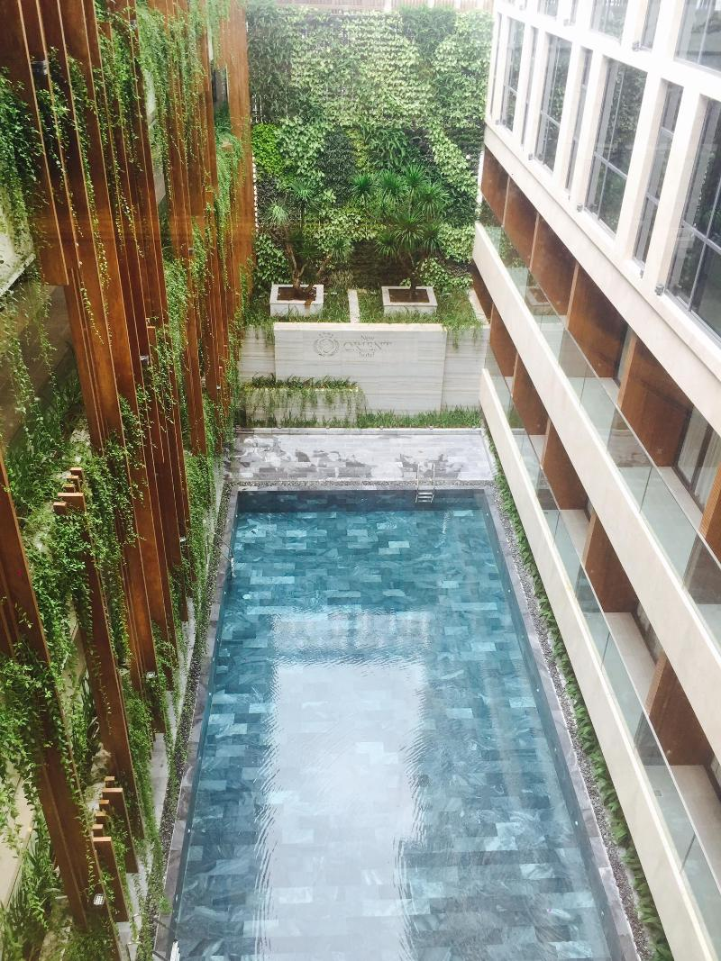 Pool New Orient Hotel
