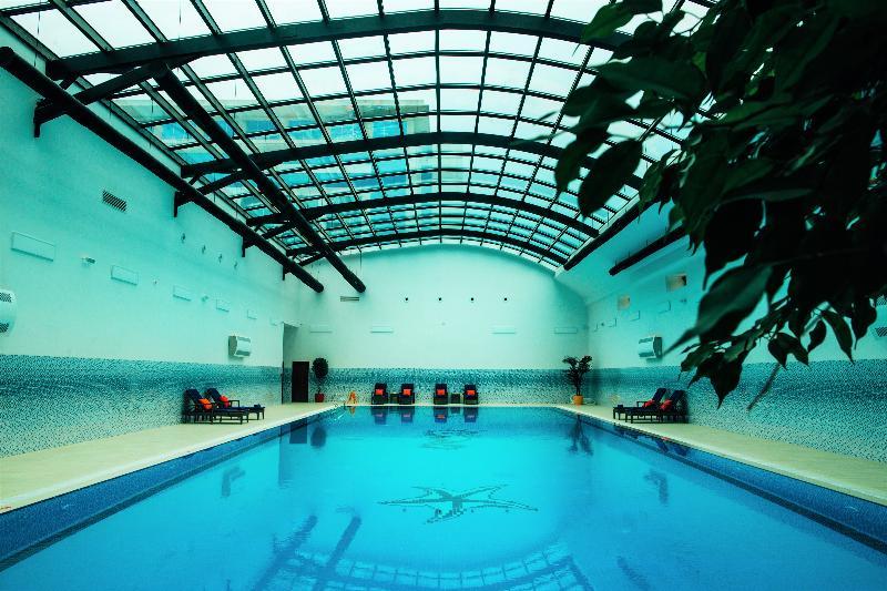 Pool Rich Hotel Baku