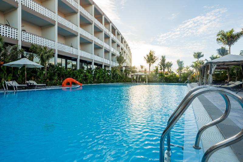 Pool Grandvrio Ocean Resort Danang
