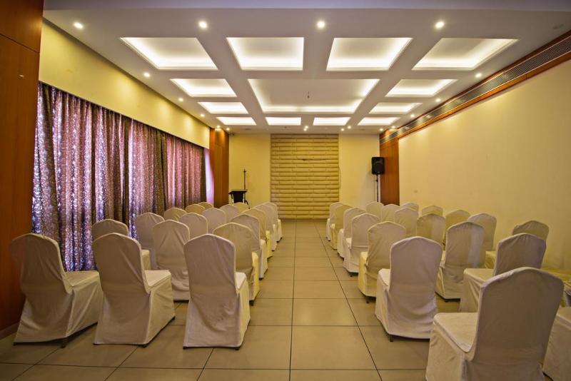 Conferences Fabhotel Rathi Residency