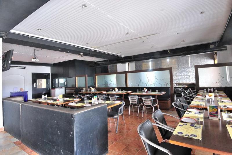 Restaurant Fabhotel Majestica Inn Hitech City