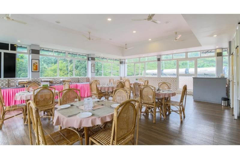 Restaurant Treebo Monsoon Grande, Munnar