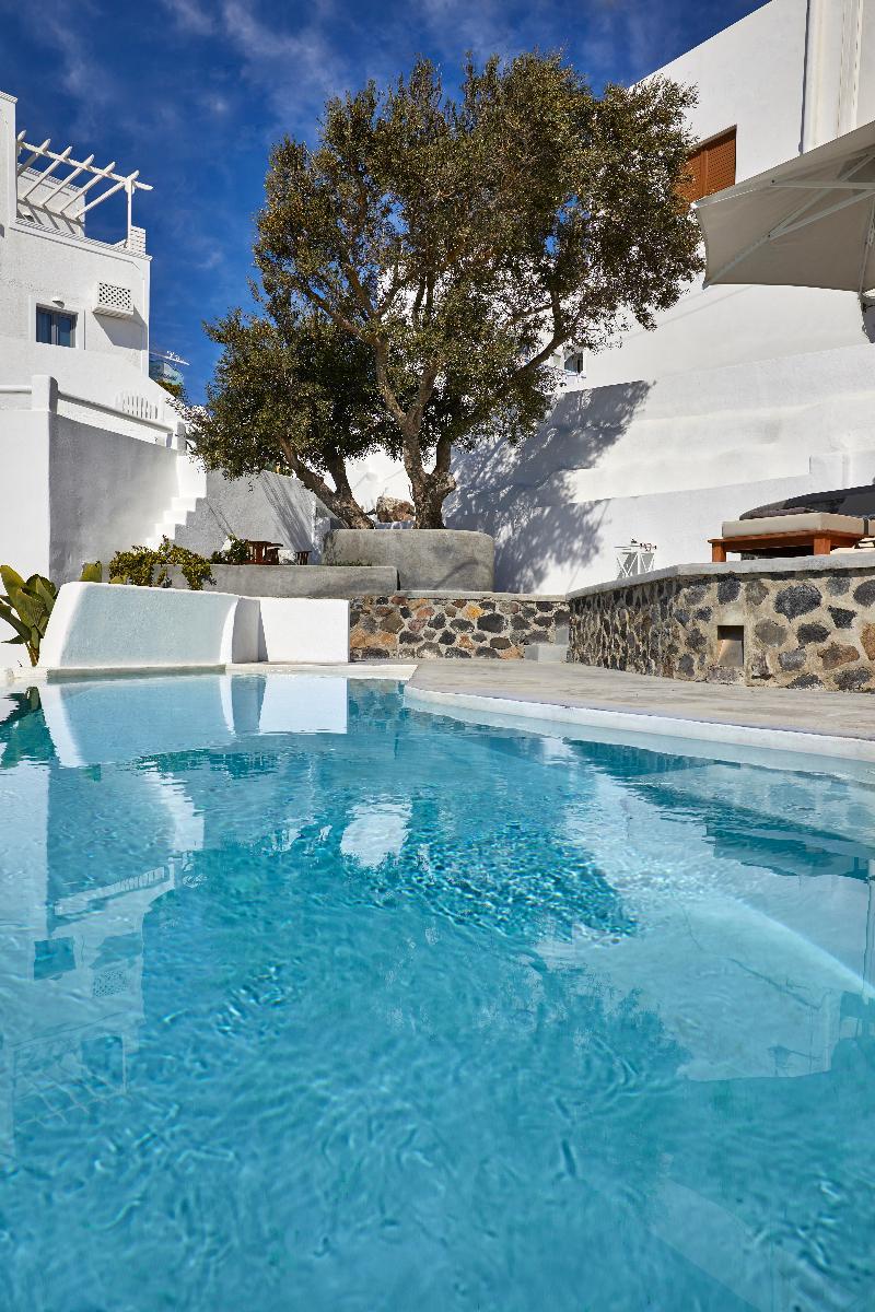 Pool Senses Suites
