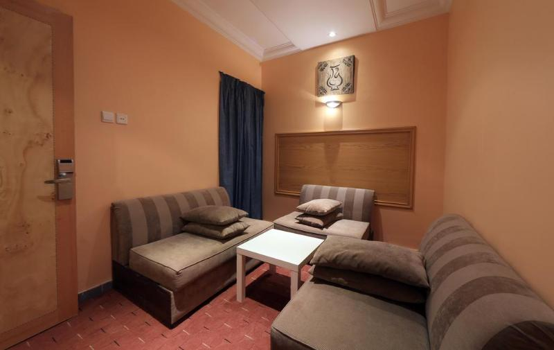 Snood Al Azizyh Hotel