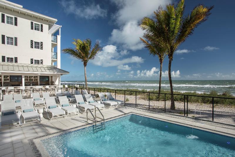 Pool Hutchinson Shores Resort & Spa