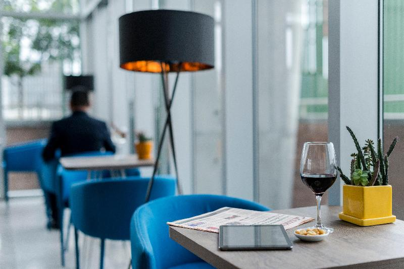 Bar Holiday Inn Lima Airport