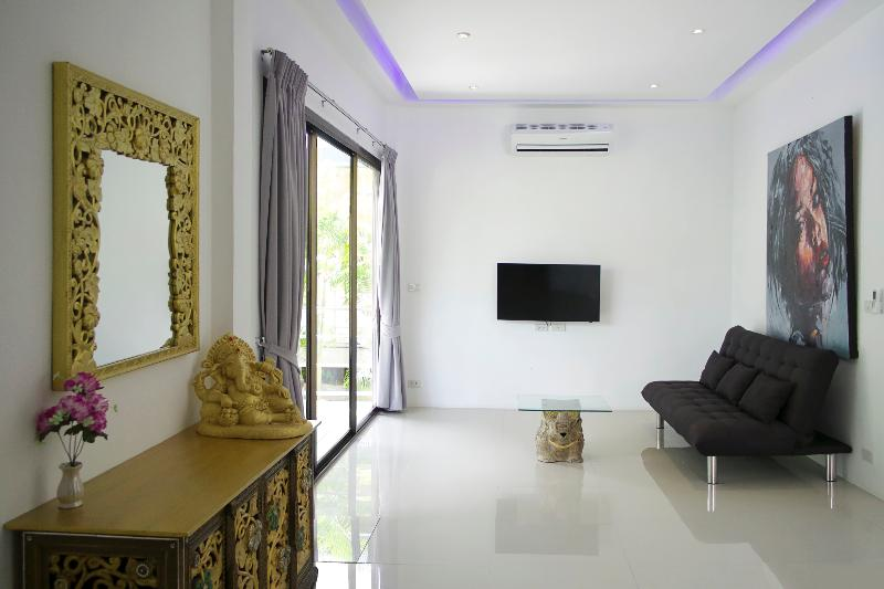 Room Coconutspalm Resort