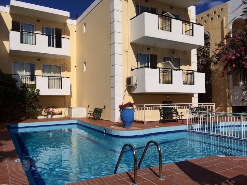 Pool Bueno Hotel