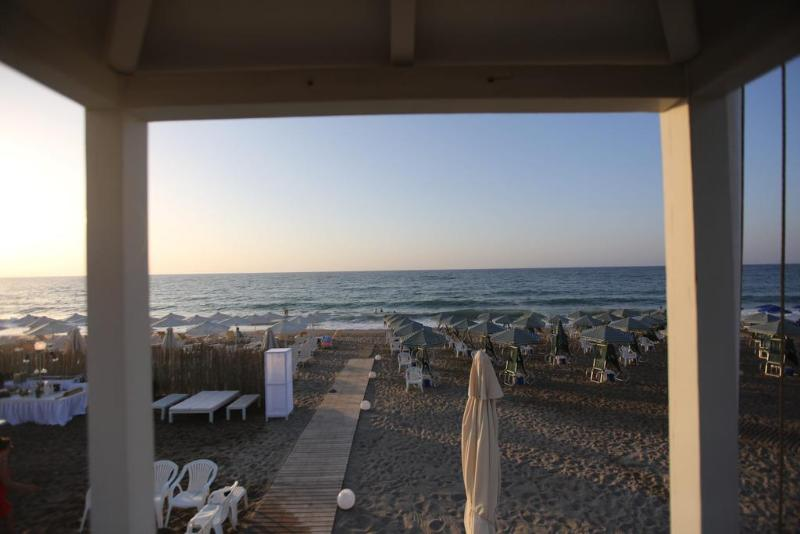 Beach Bueno Hotel