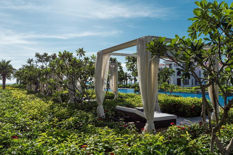 Pool Sheraton Grand Danang Resort
