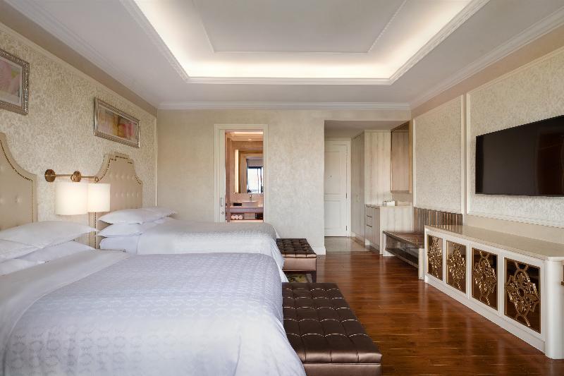 Room Sheraton Grand Danang Resort