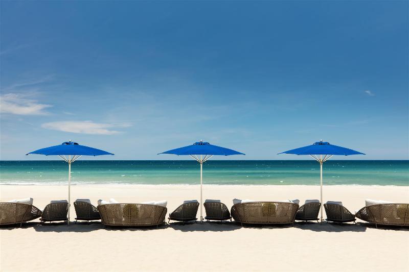 Beach Sheraton Grand Danang Resort