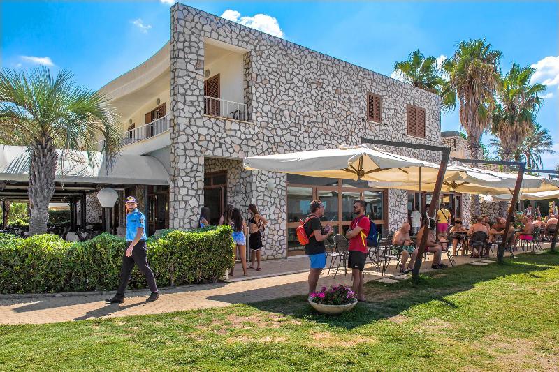 Bar Club Residence La Castellana Mare