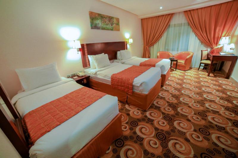 Room Reef Global Hotel
