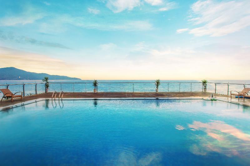 Pool Serene Hotel