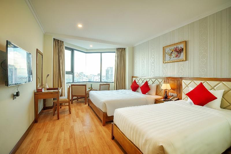Room Serene Hotel